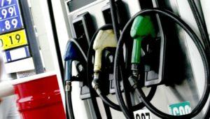 Rebajas y alzas de centavos a los combustibles