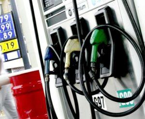 Gobierno asume $400 millones semanales para contener aumento de combustibles