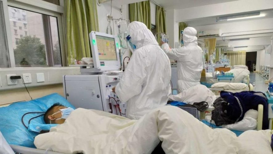China prohíbe funerales y establece protocolo para muertos por coronavirus