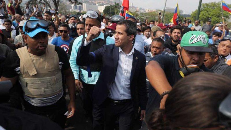 Al menos cinco heridos tras ataque en protesta de Guaidó