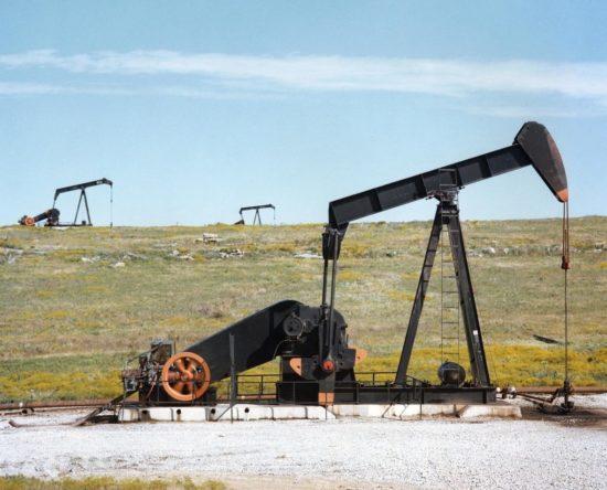 Petróleo de Texas bajó 1.9%, costando el barril 45.90 dolares