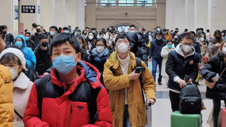 Tras una larga cuarentena, Wuhan empeza a salir a las calles