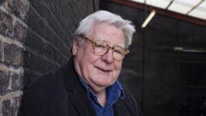 Fallece director de cine británico Alan Parker