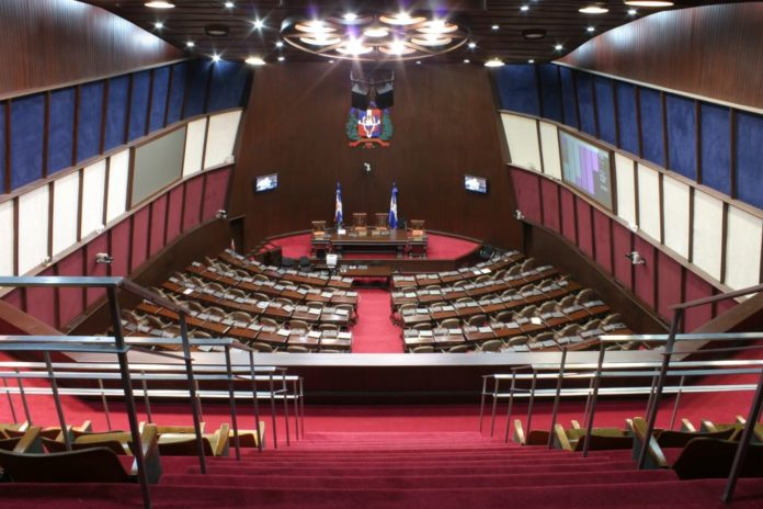 Diputados discutirán proyecto deley que podría aprobar aborto en el país