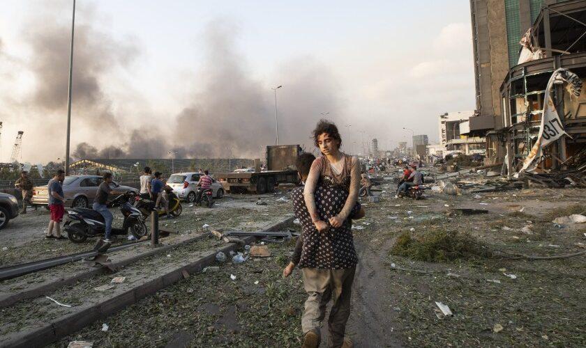 Aumenta a 113 los fallecidos en la explosión de Beirut