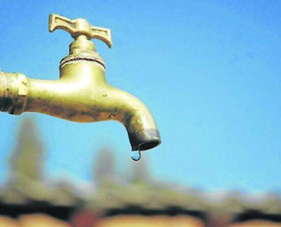 Moradores de Los Alcarrizos denuncian falta de agua en el sector