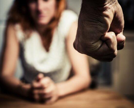 Tres años de prisión para hombre agolpeó a su pareja