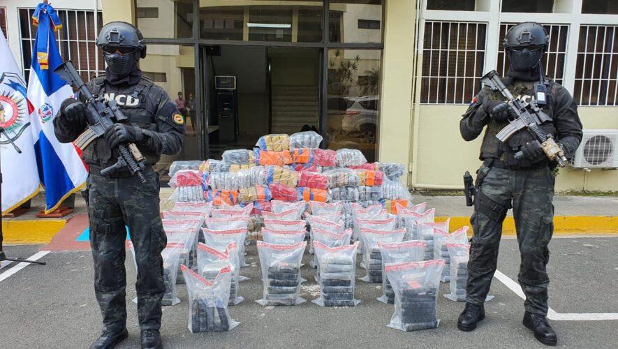 Incautan 191 paquetes de Cocaína y 554 pacas de Marihuana en Barahona