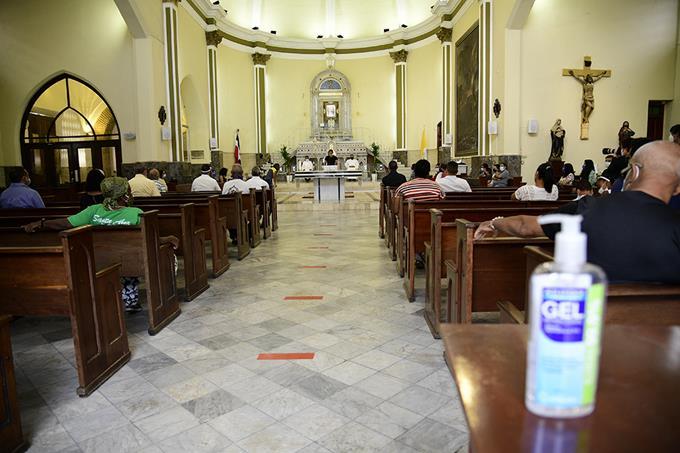 Gobierno anuncia la reapertura de las iglesias