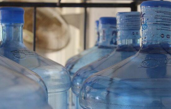 Aumentan precio del botellón de agua por alza en costo de producción