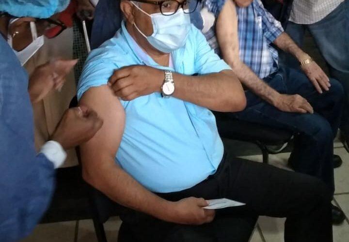 Sánchez Cárdenas exhortó a la población vacunarse contra el Covid