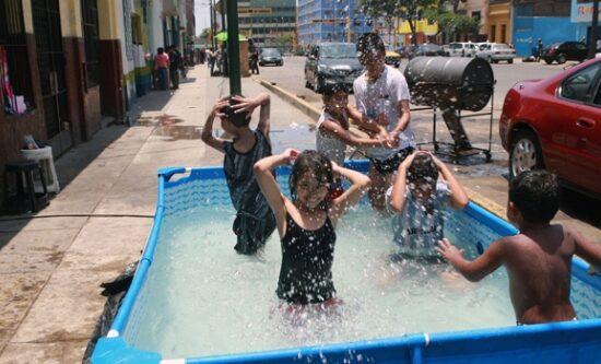 Ayuntamiento SDE prohíbe instalación de piscinas en las calles