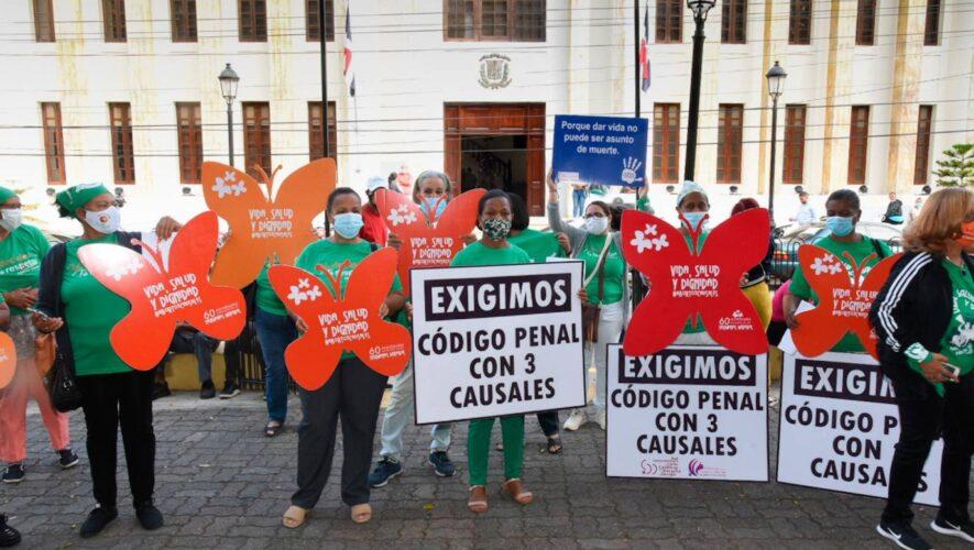 Seguirán protestas a favor de incluir las 3 causales del aborto al Código Penal