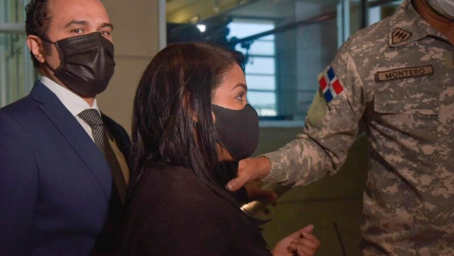 Pastora Rossy Guzmán y su hijo forman parte de la seguridad de Danilo