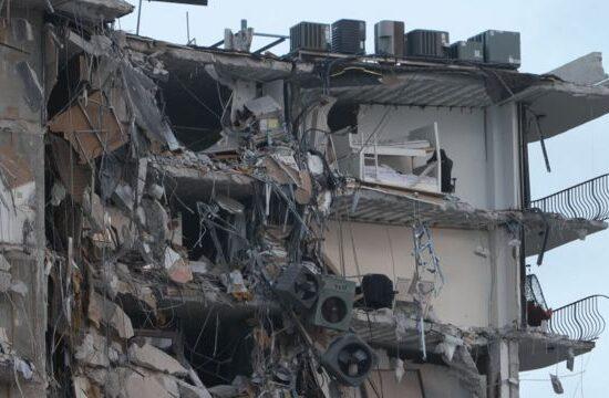 Se eleva a 9 la cantidad de fallecidos en derrumbe en Miami