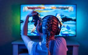 China limita hora de acceso a videojuegos en línea para menores